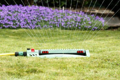 Rasen Bewaessern Regenmeister Gartenbewaesserung